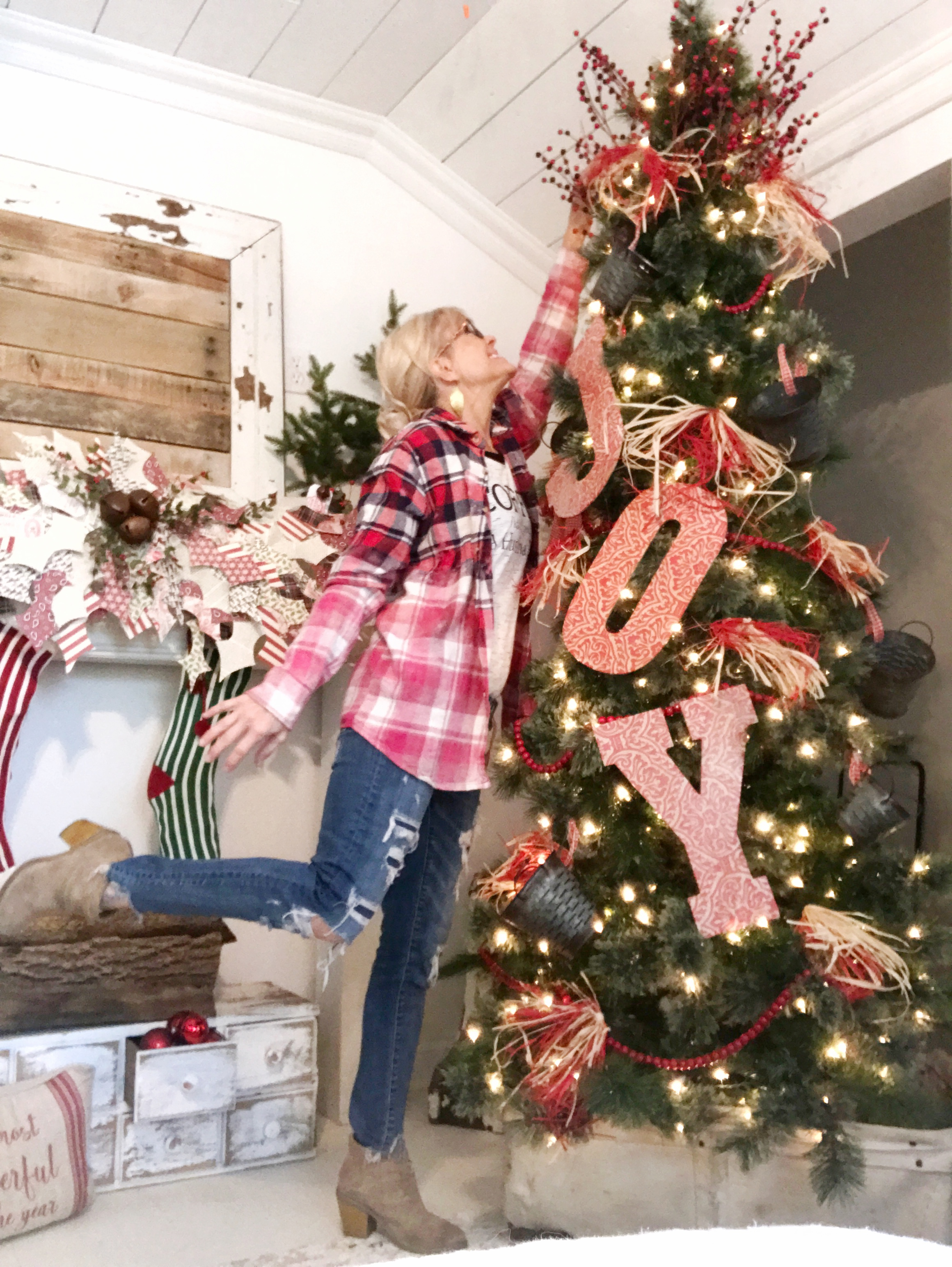 to surround myself with items that i love and the decorations on my tree this year represent my favorite things and can be easily found at hobby lobby - Hobby Lobby Christmas Tree